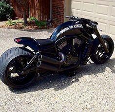 Harley Davidson - 2009 V-ROD - customized with No Limit Custom parts Vrod Harley, Harley Bikes, Custom Street Bikes, Custom Bikes, Moto Bike, Motorcycle Bike, Vrod Custom, Bmw Motorsport, Suzuki Gsx R