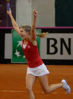 Genie Bouchard celebrates sending Canada into World Group II for 2014 #WTA #Bouchard