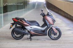 Se alguém acha que as scooters não são a solução mais eficiente e lógica para o trânsito urbano, então vai ter que mudar de planeta. A Yamaha já percebeu, e por isso reforça a sua gama com uma nova Sport Scooter.