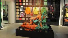 LanaSutraArtInstallation  #lanaSutra #benetton #merchandising #merchandisingBenetton