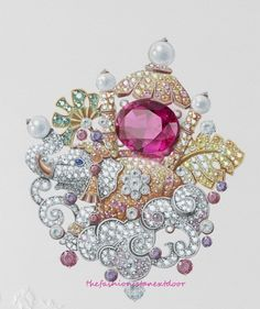 Elephant Enchante Clip- Peau d'Âne- Fine Jewelry Collection by Van Cleef & Arpels