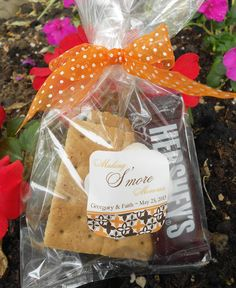 s'more wedding favors - different from cookies!