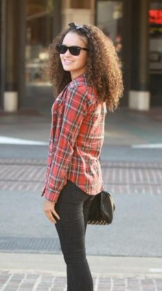 Teresa Lozano, Madison Pettis doesn't use a lot of makeup like other girls do, she is naturaly beautiful. And that's how most girl should start feeling. #mediawelike