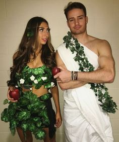 Halloween is right around the corner! It is time to start prepping the best couples halloween cosutme idea for the party! Cute Couple Halloween Costumes, Couples Halloween, Diy Couples Costumes, Halloween Outfits, Halloween Diy, College Couple Costumes, Abc Party Costumes, Couple Costume Ideas, Zombie Costumes