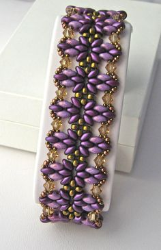 Here is my version of Ellad2's Annelies Bracelet.