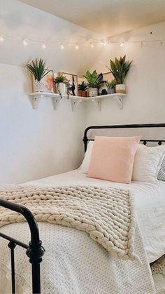 Dorm Room Designs, Room Design Bedroom, Small Room Bedroom, Room Ideas Bedroom, Home Decor Bedroom, Diy Bedroom, Bedroom Inspo, Room Ideias, Cozy Room