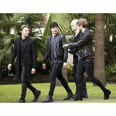 It looks like there going to a funeral