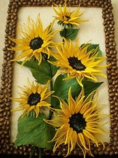A painting of sunflowers - Quilling Paper Crafts Arte Quilling, Paper Quilling Flowers, Paper Quilling Cards, Paper Quilling Patterns, Quilled Paper Art, Quilling Paper Craft, Paper Crafts, Quilled Roses, Paper Art Design