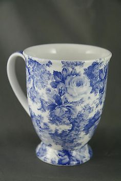 Maxwell and Williams Floral Mug Bone China Antique Blue Roses Blue And White China, Blue China, Love Blue, Red White Blue, Blue Dishes, White Dishes, Vintage Coffee, Vintage Tea, Blue Nails