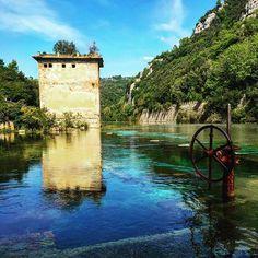 【beauty03.u_u.14beast】さんのInstagramをピンしています。 《少しでも透明度伝わればいいな。今度はちゃんとしたカメラ持ってリトライしたい。 昔はダムになってたけど今はダイビングする人までいるそうな。 #Itary#Italia#イタリア#travel#旅行#water#springwater#湧き水#天然forest#river#nera#森#川#dam#ダム#clear#clearwater#透明 度伝わって #healing#癒し #水着 と#camera 持ってまた行こう #photo#follow4follow#like4like》