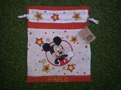 Talega o bolsa de desayuno de Mickye mouse, pintada a mano y confeccionada con telas reutilizadas www.cosasdecasaazul.blogspot.com