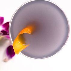 When used with a light touch, edible flowers, flower essences, and floral liqueurs make a wonderful accent to spirits both dry and sweet. From a gorgeous champagne cocktail enhanced with a single hibiscus flower to a fragrant twist on the classic old fashioned, here are 6 recipes for elegant, delicate drinks.