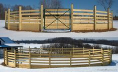 Board Round Pen with Copper Clad Fence Tops Horse Shelter, Horse Stables, Horse Farms, Dream Stables, Horse Rescue, Round Pens For Horses, Horse Round Pen, Horse Pens, Horse Barn Plans