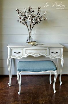 French Provincial Vanity Makeover in cream and java glaze. You don't see many like this anymore. #paintedfurnituredistressed