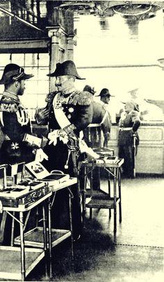 Tsar Nicholas II of Russia and his cousin Kaiser Wilhelm II of Germany prior to WWI Wilhelm Ii, Kaiser Wilhelm, Belle Epoque, Zar Nikolaus Ii, Ap European History, Historia Universal, House Of Romanov, Tsar Nicholas Ii, Royals