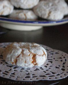 U n des grands classiques de la pâtisserie orientale, la recette est toute simple pour des gâteaux vraiment succulents ! ghriyba aux amandes : gâteaux aux amandes