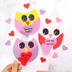 Get our free printable template to make this cute Valentine Card with kids. These would make adorable classroom valentine favors. day cards for kids DIY Owl Valentine Card Easy Valentine Crafts, Valentine Gifts For Kids, Diy Valentines Cards, Puppy Valentines, Printable Valentine, Homemade Valentines, Valentine Wreath, Valentine Ideas, Funny Valentine