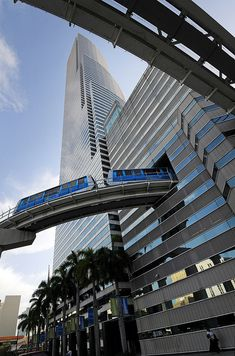 (Pete Cross) Miami's Metromover trains as they are leaving the Knight Center Station.Miami's Metromover trains as they are leaving the Knight Center Station. Visit Florida, Miami Florida, Florida Beaches, South Florida, Miami Beach, South Beach, Futuristic Architecture, Amazing Architecture, S Bahn