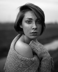 Giulia photography by Photographer Leonid Litvac, Venice, Portrait, Black and White Beauty Photography, Venice, Cool Pictures, Fashion Beauty, Europe, Black And White, Portrait, Contemporary Photography, Facebook