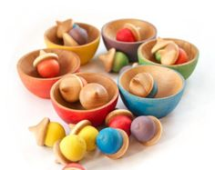 Montessori - Rainbow Stacking Bowls and Acorns - Waldorf Toy - Color Matching - Sorting Bowls - Toddler Christmas Gift Waldorf Preschool, Waldorf Toys, Preschool Toys, Montessori Color, Montessori Toys, Toddler Christmas Gifts, Glands, Stacking Toys, Natural Toys