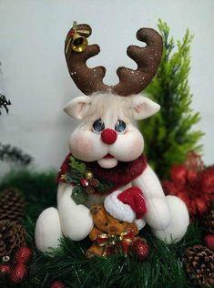 Christmas Ornaments, Christmas Cakes, Photo Wall, Holiday Decor, Home Decor, Photos, Reindeer, Christmas Decor, Feltro
