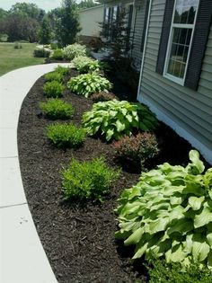 Front-yard-landscape (25) #modernyardfront #LandscapingFrontYard