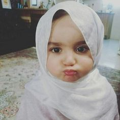 Cute Baby Girl Pictures, Cute Girl Pic, Stylish Girl Pic, Baby Photos, Dad Baby, Baby Kids, Cute Kids, Cute Babies, Baby Hijab