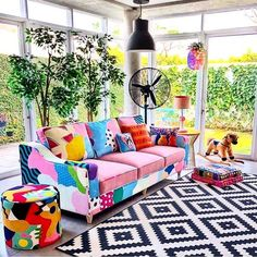 Bohemian style furniture is all about the mix and match of various accessories, patterns and colors. Decorated the simple furniture into boho-chic style is … Bohemian Furniture, Bohemian Interior, Bohemian Decor, Hippie Bohemian, Bohemian Style, Modern Bohemian, Boho Chic, Living Room Decor, Bedroom Decor