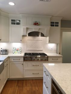 Shiloh cabinets, shaker doors, lusso counters