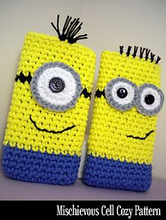 Handy cell cozy will protect your valuable cell phone AND look adorable in the process. Keep your phone cleaner, safer, and scratch-free with these clever little cases. So quick and easy to make… whip up a bunch for all of your minion friends! They make excellent gifts and stocking stuffers.