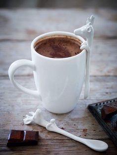 Sunulmadı bana kahve deme sen Nasibin var ise gelir Yemen'den [Nabi]