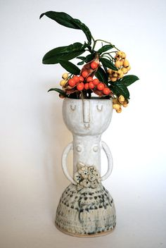 It's entirely possible that it's whatever this plant is that makes the vase...but it sure is making it. WANT.