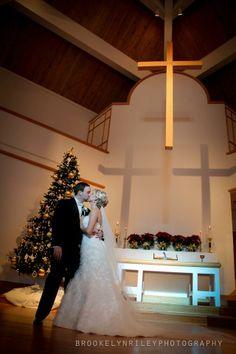 Christmas wedding #bride #groom #Christmas