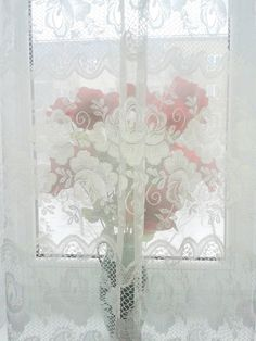 Lace pattern on a mirror?