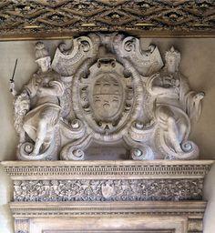 ANGOLO DEL MORO, Giulio Italian sculptor (b. 1555, Verona, d. 1616, Venezia) Crest of Doge Marcantonio Memmo - Stucco Palazzo Ducale, Venice Verona, Give It To Me, Greek, Statue, Doge, Cool Stuff, Architecture, Art, Arquitetura