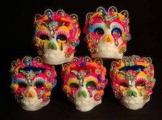 Alcuni teschi di zucchero celebrativi per il Dia de los Muertos