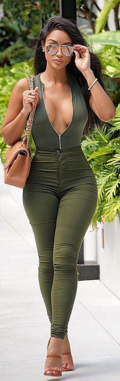 Khaki // Outfit: @fashionnova , Shoes: @fashionnova , Purse: @chanelofficial Glasses: @celine.world // Fashion Look by Kimmy Maxx
