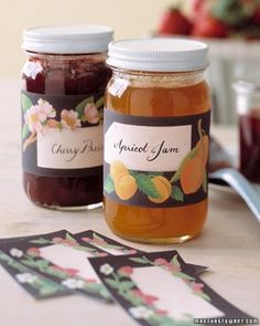 Decorative Jam Labels - Made from scratch with the season's ripe harvest, jam seems to capture the very essence of summer. Dressed in pretty stickers, jars of homemade preserves make delicious gifts long after the weather turns cool. Canning Jar Labels, Canning Recipes, Jar Recipes, Jar Gifts, Food Gifts, Jam Label, Martha Stewart Crafts, Liqueur, Summer Crafts