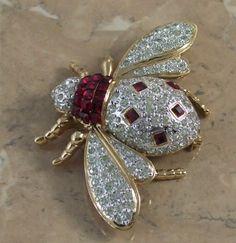 Fabulous vintage bee brooch by Vogue Bijoux