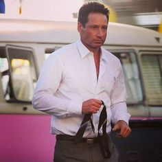 """David Duchovny film scenes for new show """"Aquarius"""". Gillian Anderson David Duchovny, David And Gillian, Artist Film, Dana Scully, Gary Oldman, New Shows, Embedded Image Permalink, Sexy Men, Hot Men"""