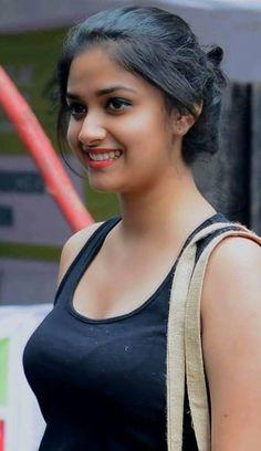Keerthi Suresh Shy Look Beautiful Girl Photo, Beautiful Girl Indian, Most Beautiful Indian Actress, Beautiful Bollywood Actress, Beautiful Actresses, Beauty Full Girl, Beauty Women, Bollywood Girls, Stylish Girl Images