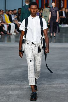 Sacai Spring 2018 Menswear Fashion Show