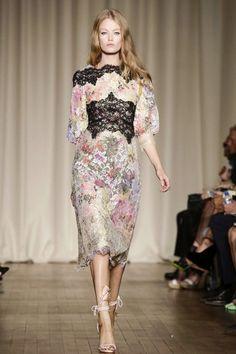Mis Queridas Fashionistas: Marchesa Ready To Wear Spring Summer 2015 London Fashion Week