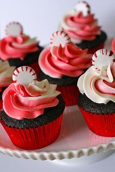 """Peppermint Mocha Cupcakes - I'm normally a mint snob (I just don't like mint) but Starbuck's """"Peppermint Mochas"""" are my holiday favorite.  She has taken that drink and put it in cupcake form.  Can't wait until Christmas!! - Click image to find more popular food & drink Pinterest pins"""