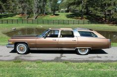 This custom Cadillac Castilian station wagon is number 11 of 12 made by Traditional Coach Works in 1976 Classic Cars Usa, Donk Cars, Car Station, Counting Cars, Woody Wagon, Old Wagons, Cadillac Ct6, Shooting Brake, Cadillac Fleetwood