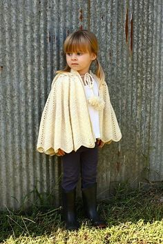 Ravelry: Hooded Capelet pattern by Linda Permann