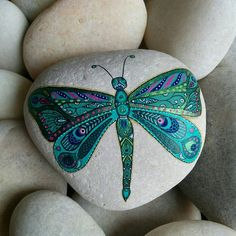 56 Ideas Garden Art Dragonfly Wings For 2019 Dragonfly Painting, Dragonfly Tattoo Design, Dragonfly Art, Dot Art Painting, Pebble Painting, Pebble Art, Stone Painting, Dragonfly Tatoos, Dragonfly Images