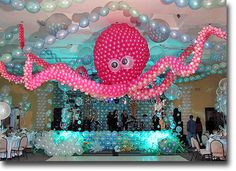 Under the Sea Balloon Decorations Wow! That's some intense balloon work! Lol