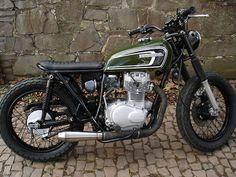 Honda CB250 G5 Brat style