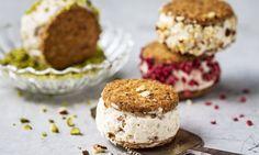 Birchermüesli-Glace-Sandwich - Rezepte - Schweizer Milch Sandwiches, Cheesecake, Muffin, Breakfast, Food, Innovation, Desserts, Frozen Desserts, Pistachio